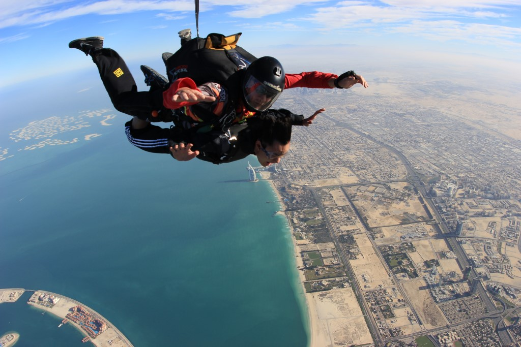 Skydiving in Dubai: My First Skydive - Ace Adventurer